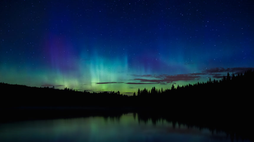 Yes! It's finally gotten dark enough at night for us northerners to see the aurora borealis! Are you as excited as I am to once again to embark out into the night in pursuit of capturing the northern lights? Have you gotten a shot after summer? Show it!
